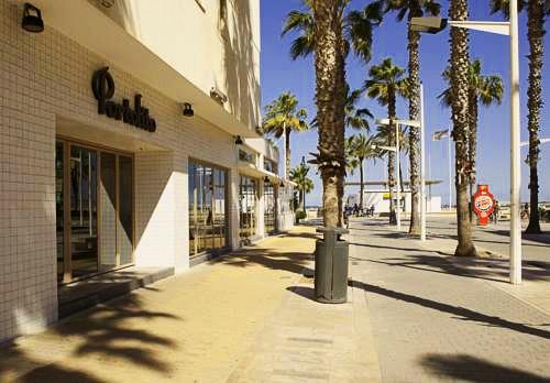 Malvarrosa beach rooms valencia hoteles y apartamentos - Hoteles en la playa de la malvarrosa ...