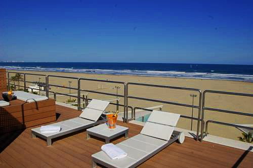 Top 6 hoteles en valencia cerca de la playa actualizado for Hotel familiar valencia playa