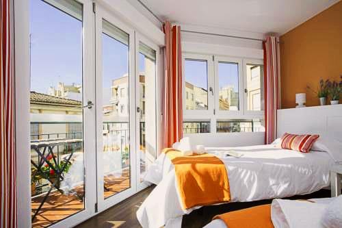 Sevilla Apartments | Valencia: hoteles y apartamentos