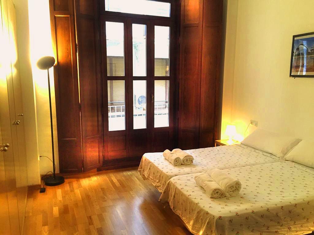 XY Travellers Guest House   Valencia: hoteles y apartamentos